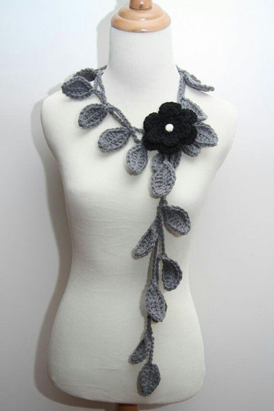 Tribal Crochet Jewellery Set With Gray Leaves and Black Floral Design