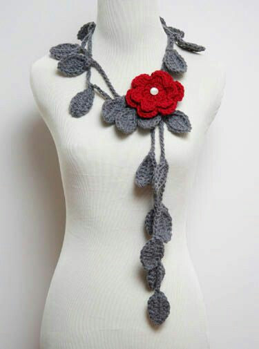 Tribal Crochet Jewellery Set With Gray Leaves and Red Floral Design