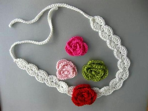 Tribal Crochet Jewellery Set in White color with Multicolor Flowers