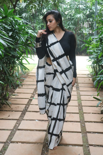 Monochrome Checkered Soft Cotton Saree-TCS003