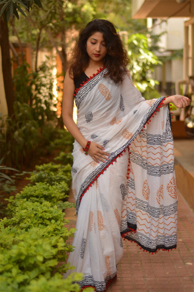 White & Black Chevron Soft Cotton Saree-TCS007
