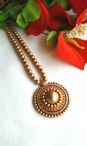 Golden Rounded Pendant Terracotta Jewellery Set