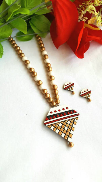 Golden White and Red Triangular Pendant Terracotta Jewellery Set