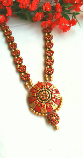 Golden and RoseBerry Loop Rounded Pendant Terracotta Jewellery Set