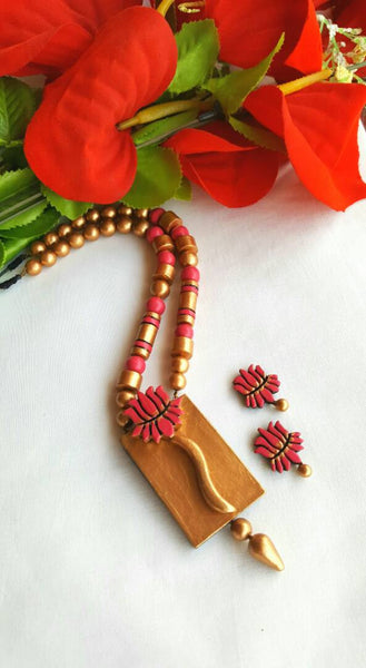 Golden and RoseBerry Lotus Pendant Terracotta Jewellery Set
