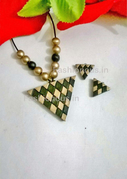 Green Triangular Shaped Terracotta Pendant Set-TJS-048