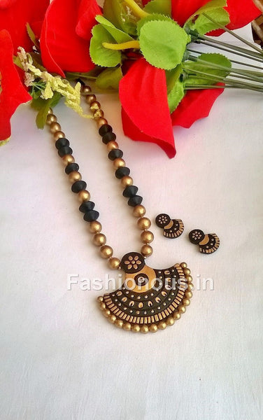Black and Gold Semi Circle Terracotta Jewellery Set