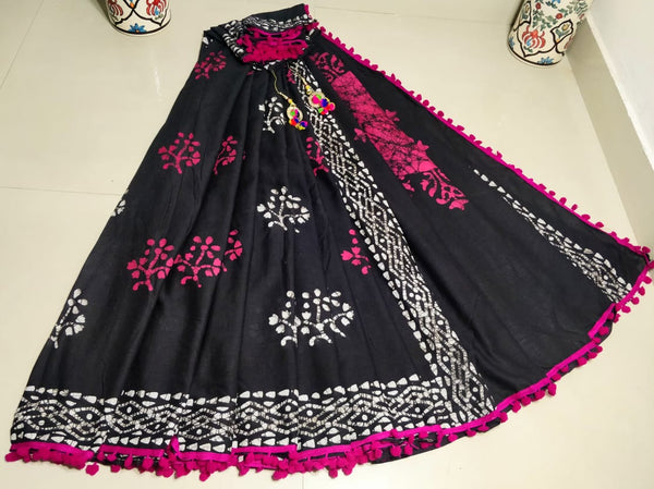 Dusty Black Cotton Saree with Pink Pom-Pom Border-TCS041