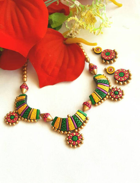 Multicolor Pendant  Terracotta Jewellery Set