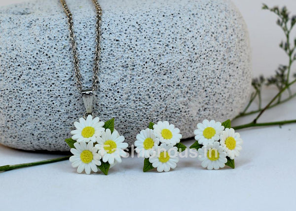 White Floral Necklace and Earrings-ZAPCNS-005