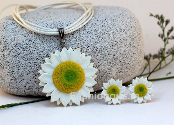 White Sunflower Necklace and Earrings-ZAPCNS-006