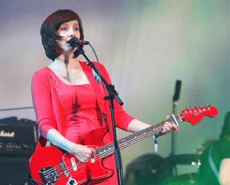 ic: Bilinda Butcher from The Pixies with her Fender Mustang