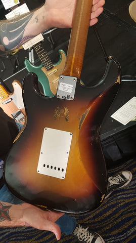 Fender Limited Roasted Tomatillo Relic Stratocaster - Maple Relic - Wide 2-Tone Sunburst Back