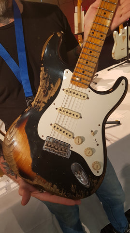 1957 Color On Color Stratocaster Heavy Relic Black/2-Tone Sunburst Front