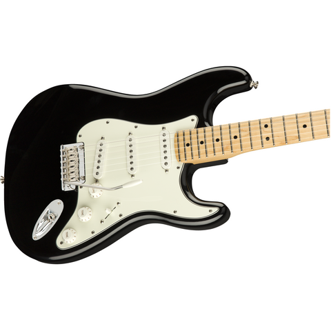 Fender Player Stratocaster, Maple Fingerboard, Black