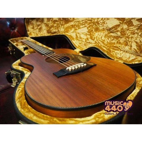 Image of Maton EMBW-6 Blackwood Mini-Maton, Streaky Ebony Fingerboard w/Case - Music 440