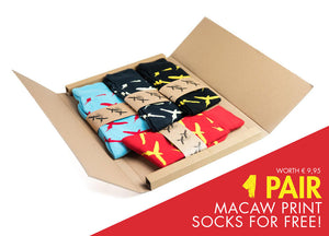 SOCKS - MACAW 4 pack, get one pair free