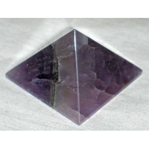 Amethyst Pyramid 25-30 mm - Wiccan Place