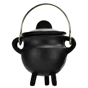 Plain cast iron cauldron w/ lid 2 3/4