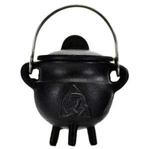 Triquetra Cast Iron Cauldron w/Lid 2 3/4