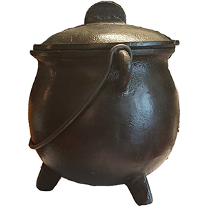 Cast iron cauldron w/ lid 8