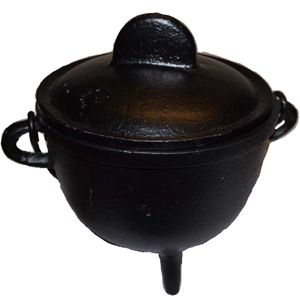 Cast iron cauldron w/ lid 5