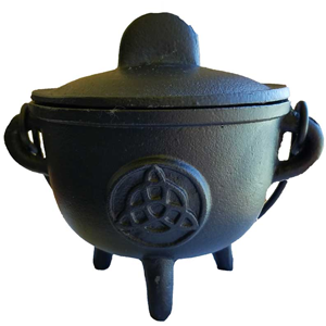 Cast iron cauldron w/ lid Triquetra 5