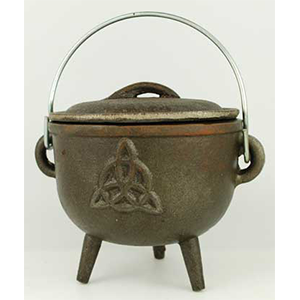 "Triquetra cast iron cauldron 4 1/2"" - Wiccan Place"