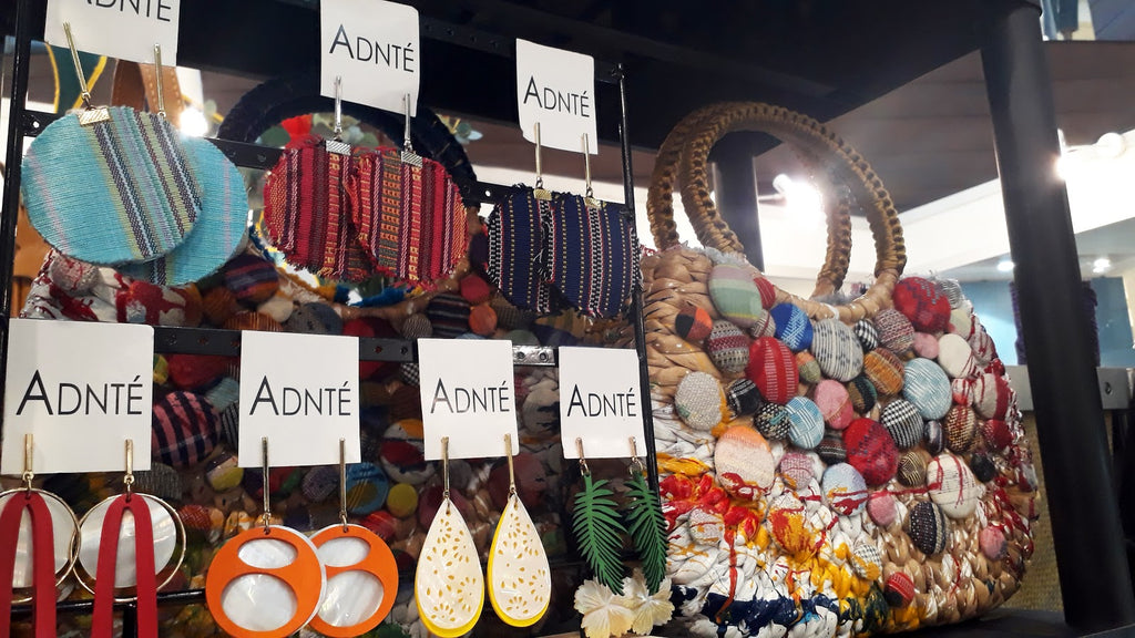 Handwoven Filipino jewelry and sustainable bags from Adante Leyesa at the 2019 Likhang Habi Fair in Manila