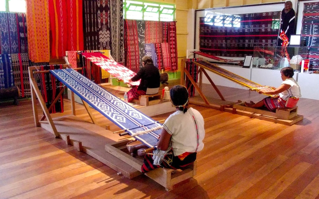 Weavers at the Ifugao heritage center in Kiangan