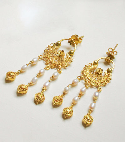 Dominique Pearl Creolla Earrings - AMAMI