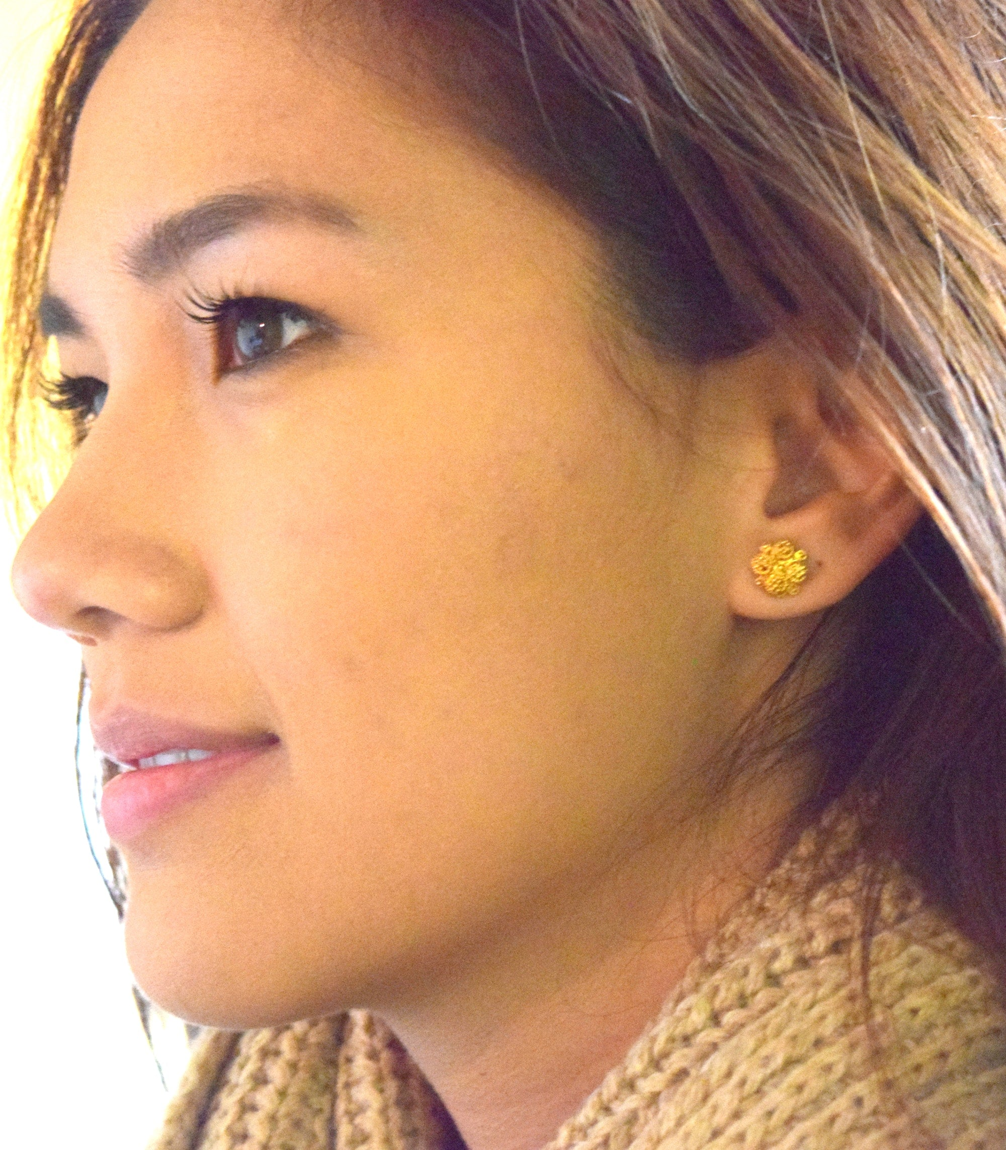 Estela Earrings on a model - AMAMI