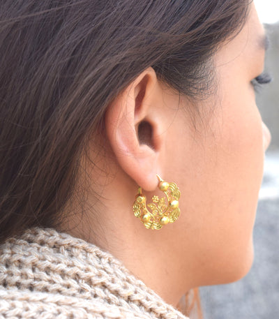Felicia Creolla Earrings on a model - AMAMI