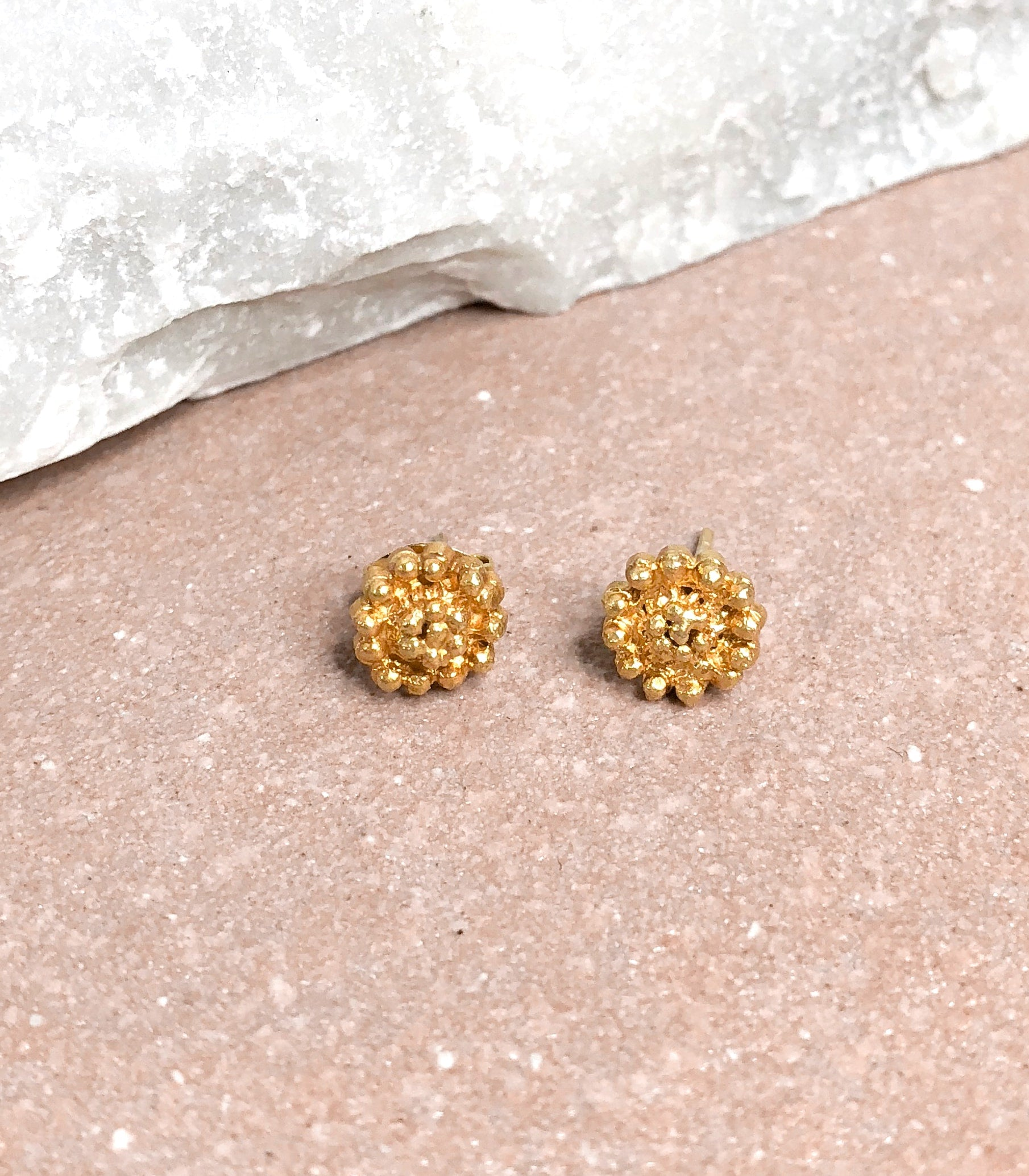 Mara Rosita Studs on a table - AMAMI