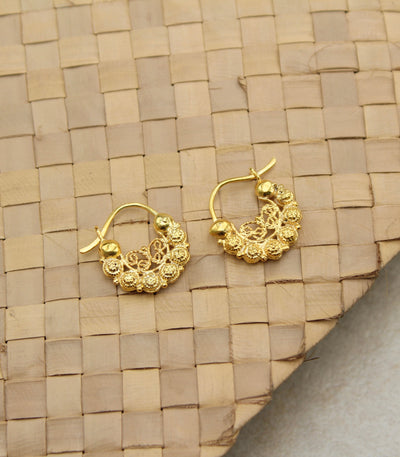 AMAMI Claudia Creolla Earrings