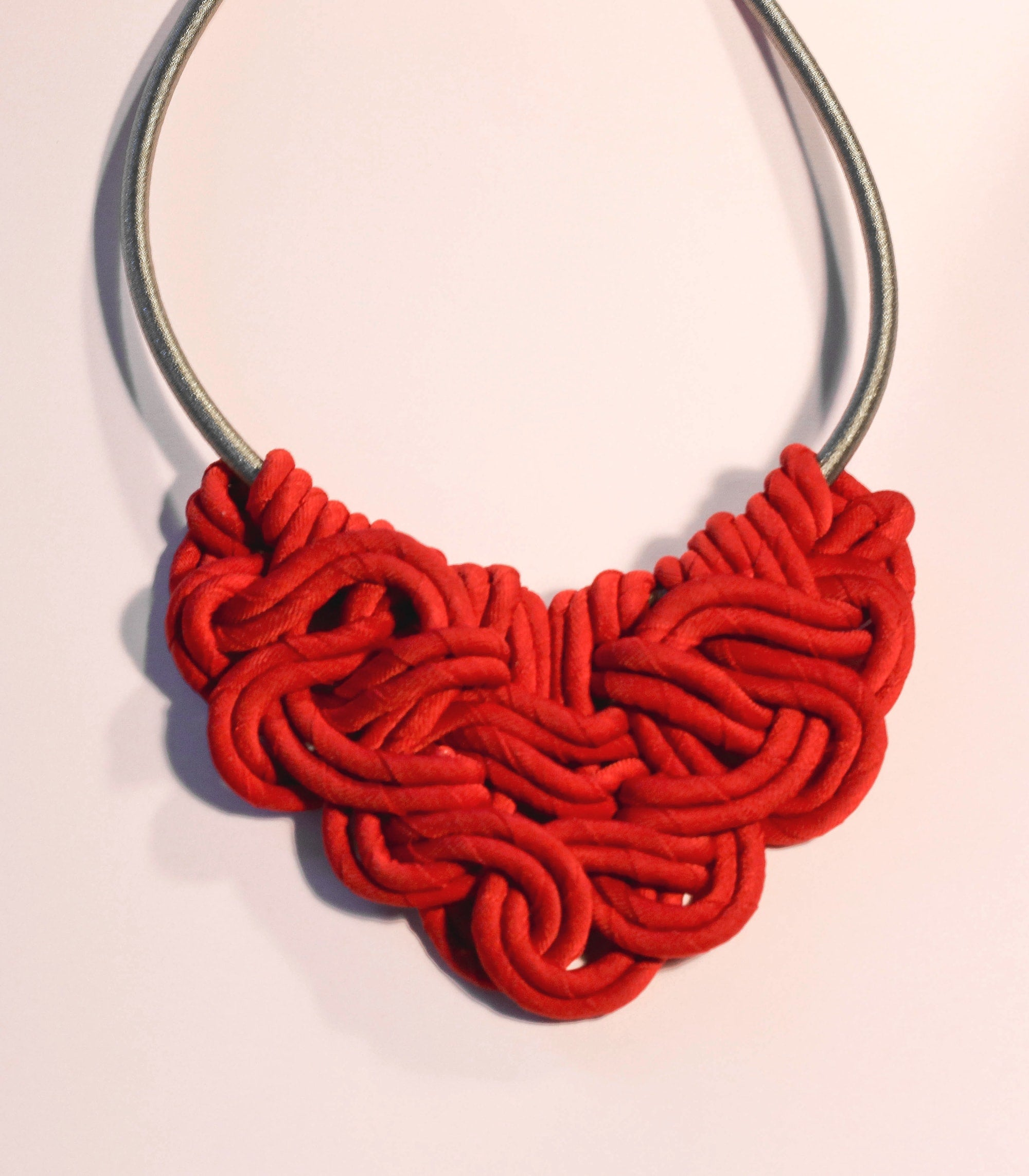 Helena Necklace in Red - Piesa