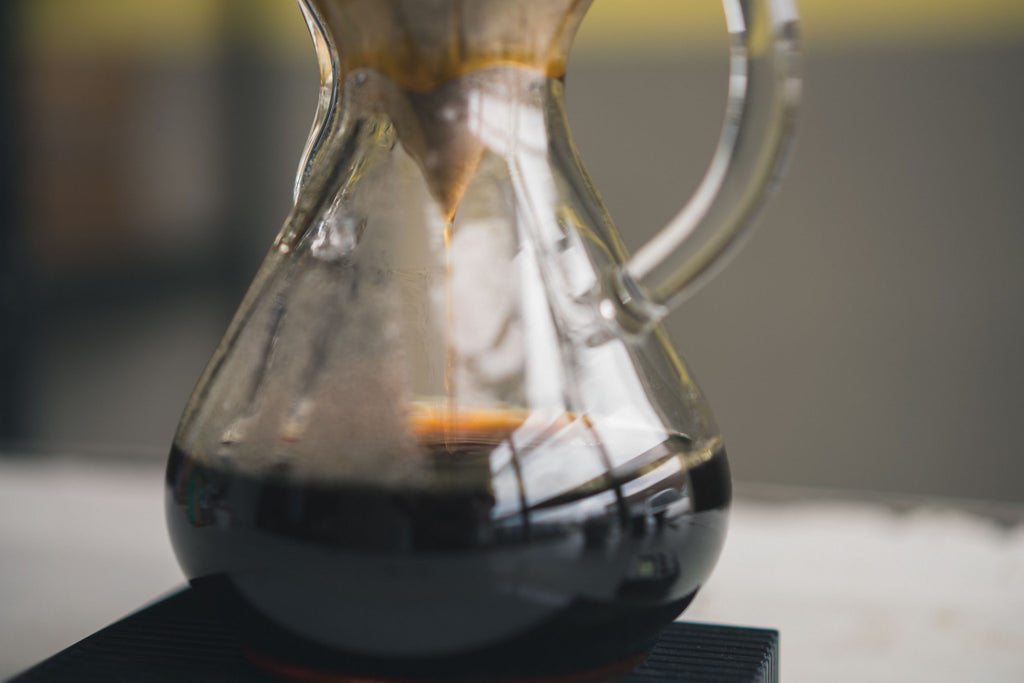 Brewing Chemex - Detour Coffee