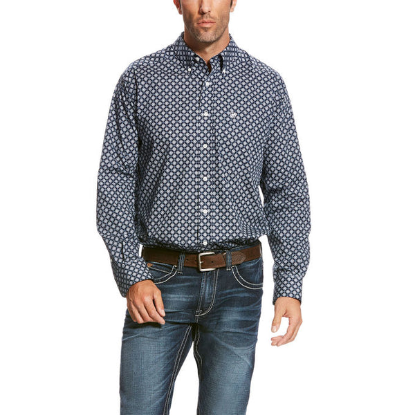 Wrinkle Free Chuck Shirt By Ariat