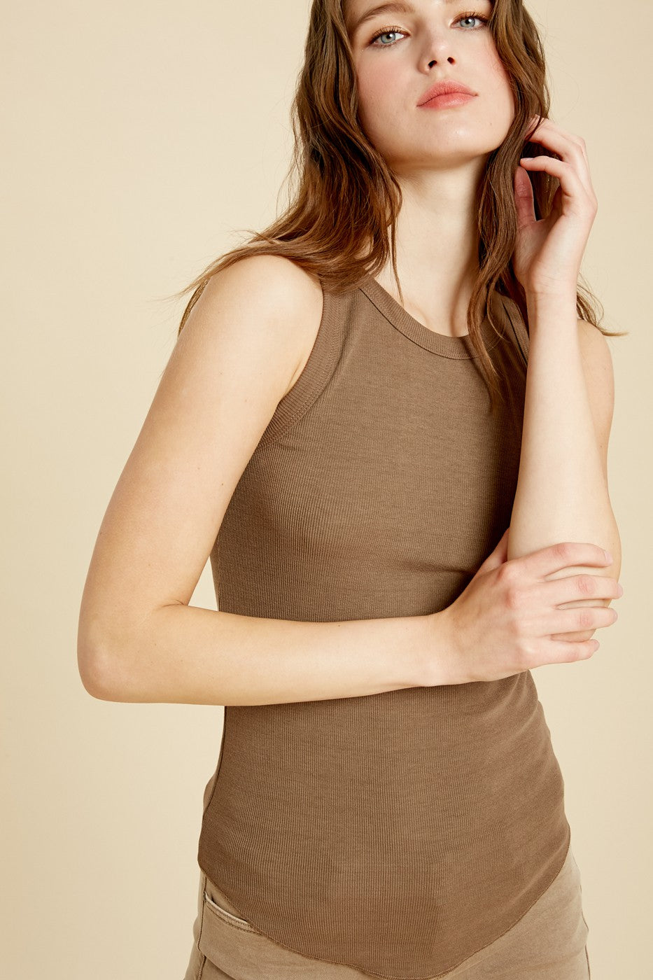 Wishlist Chestnut Sleeveless Fitted Rib Tank Top Round Crewneck