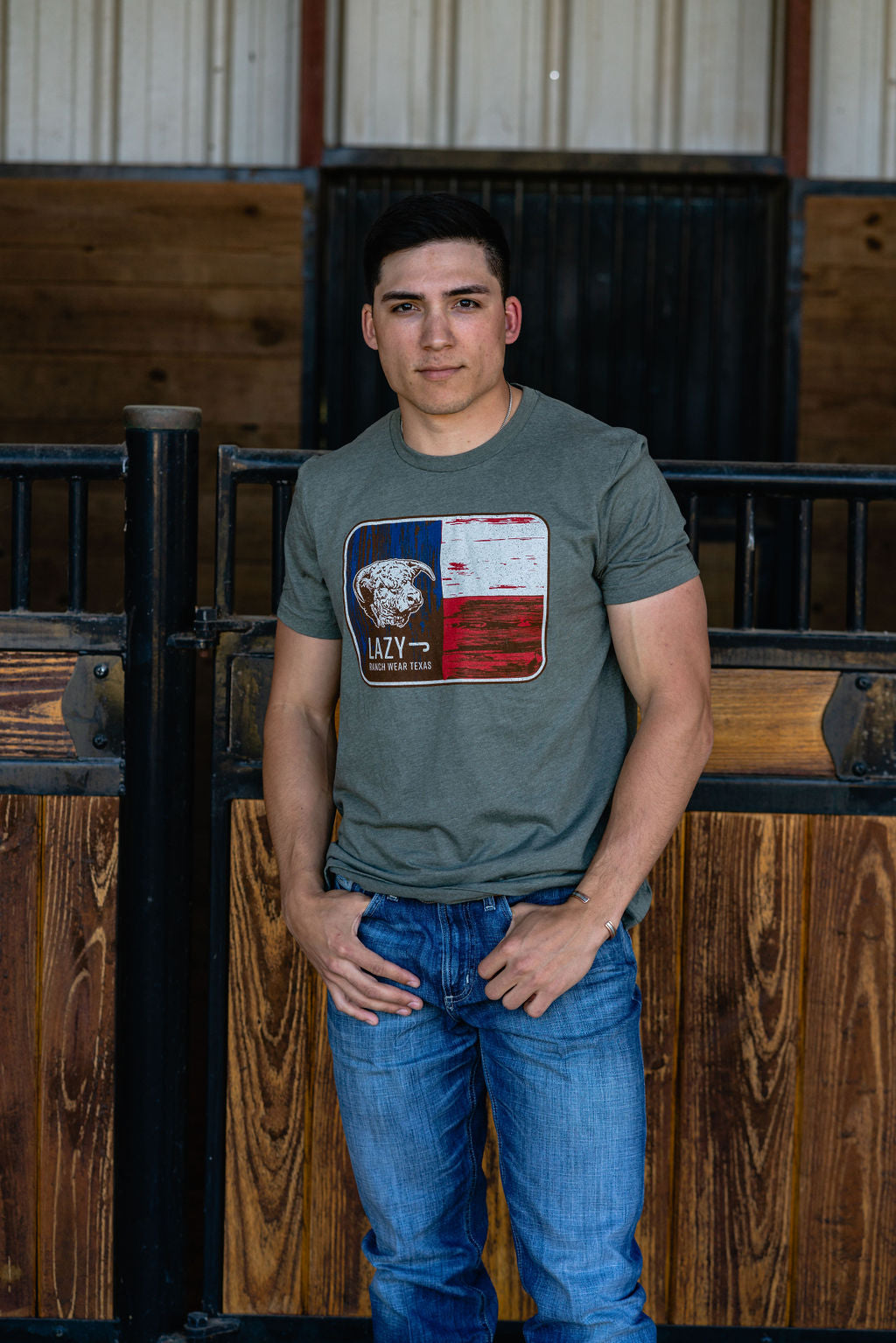 Lazy J Ranch Wear Hereford Bull Texas Flag Short Sleeve T-Shirt - Heather Green