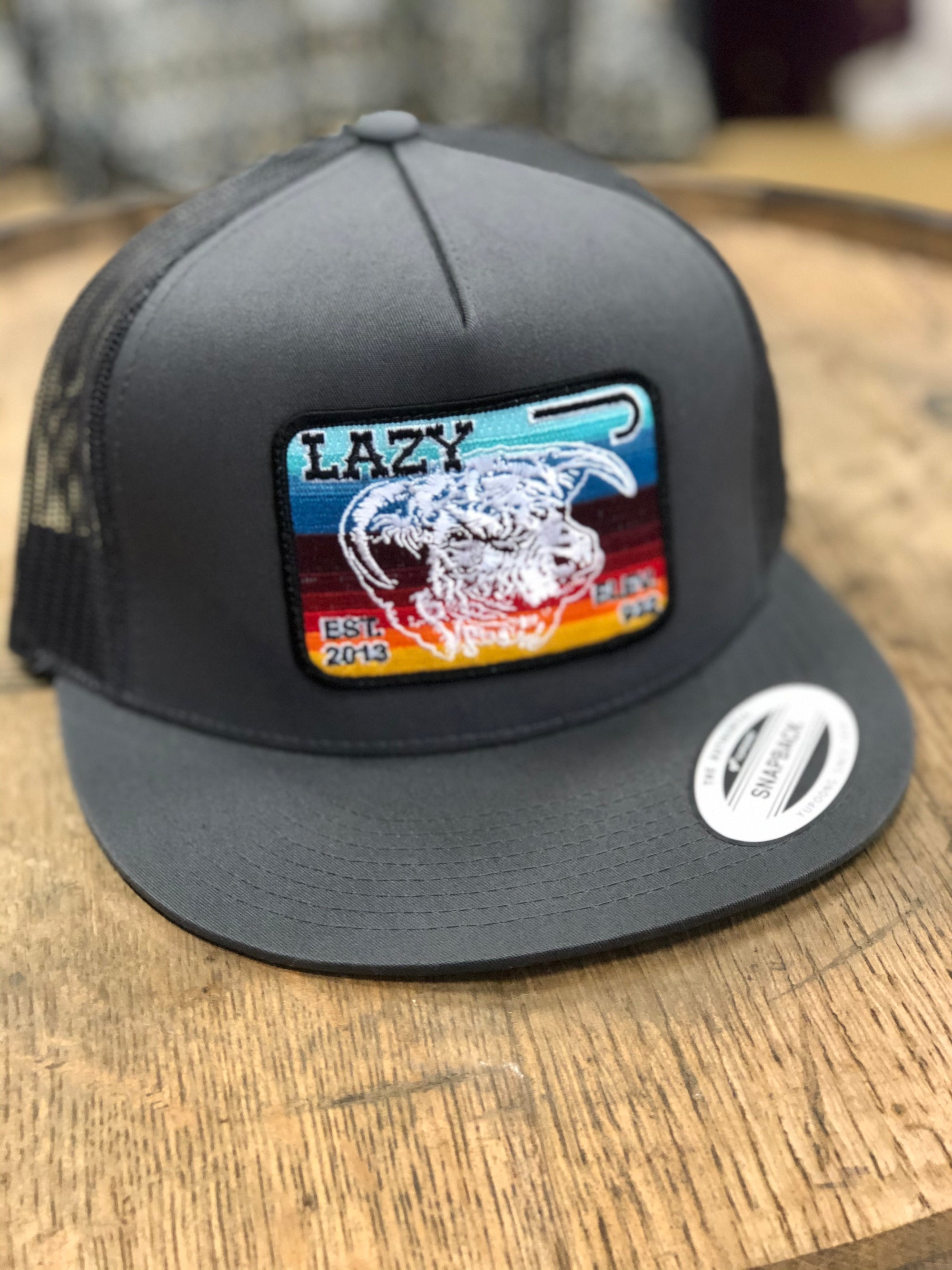 "Lazy J Ranch Wear Grey & Grey 4"" Serape Elevation"