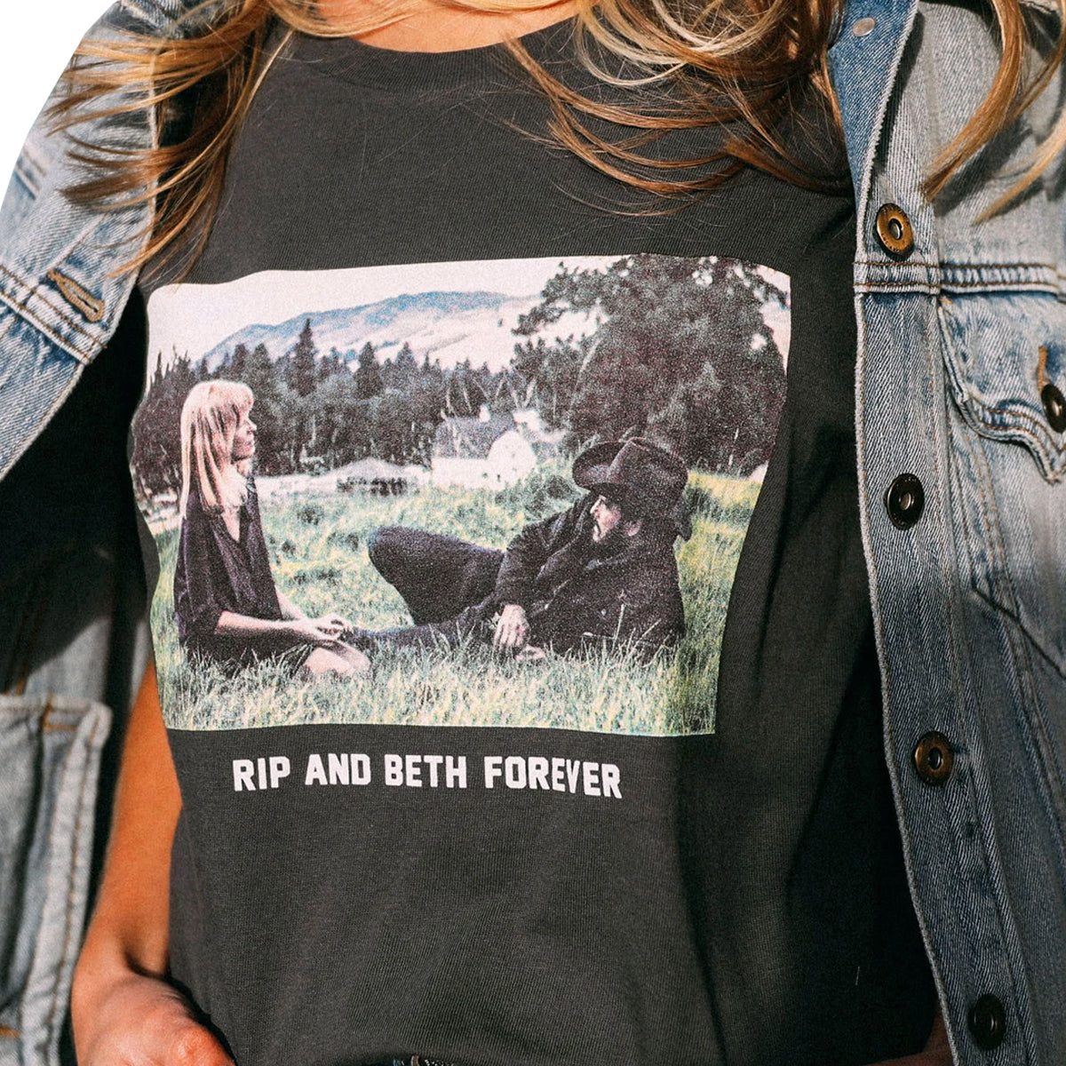 Charlie Southern Women's Rip and Beth Forever T-Shirt - Black