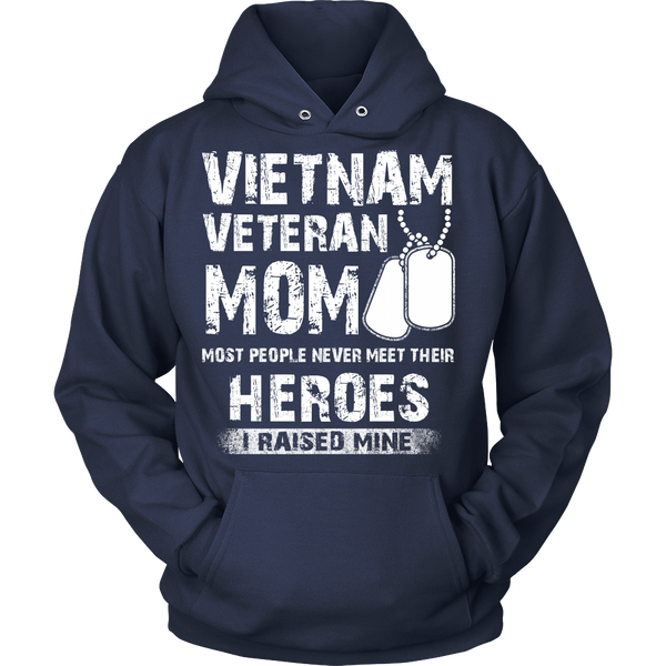 Proud Vietnam Veteran Mom T-shirt
