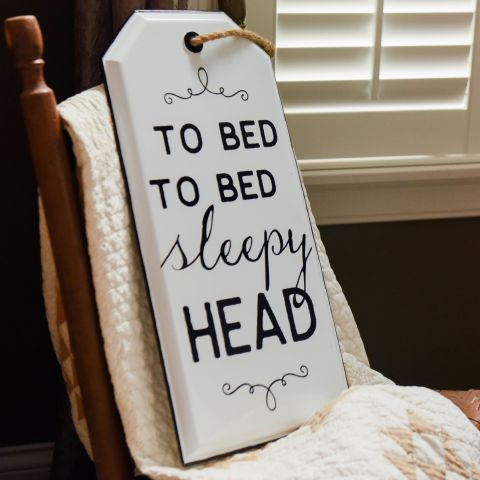 TO BED SLEEPY HEAD TAG SIGN