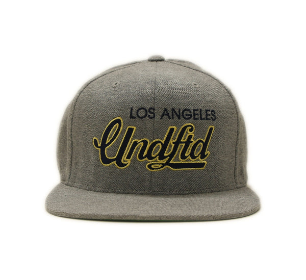 SCRIPT SNAPBACK, HEATHER GREY