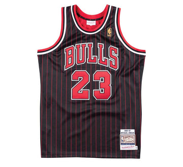 AUTHENTIC JERSEY CHICAGO BULLS ALTERNATE 1996-97 MICHAEL JORDAN