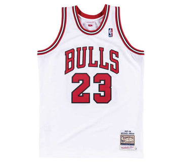 AUTHENTIC JERSEY CHICAGO BULLS HOME 1997-98 MICHAEL JORDAN