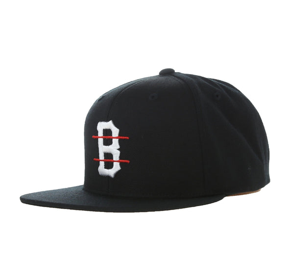 B LOGO RED LINE SNAPBACK, BLACK
