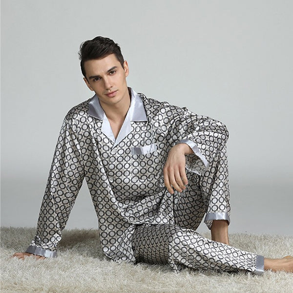 Elegant Mens Print Pajamas, Two Piece Set, Satin Sleepwear, Lifestyle, Light Gray