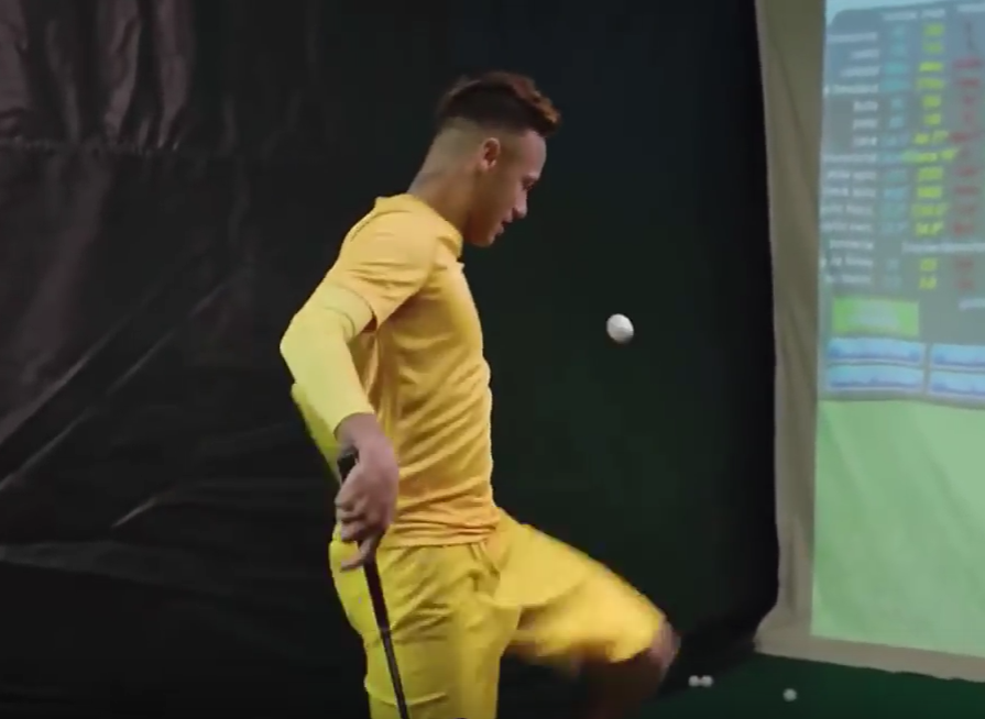 Neymar's first try at golf!